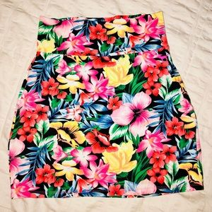 VS PINK Floral Bodycon Skirt 🌺